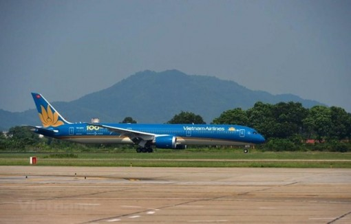 Vietnam Airlines suspends flights to France, Malaysia