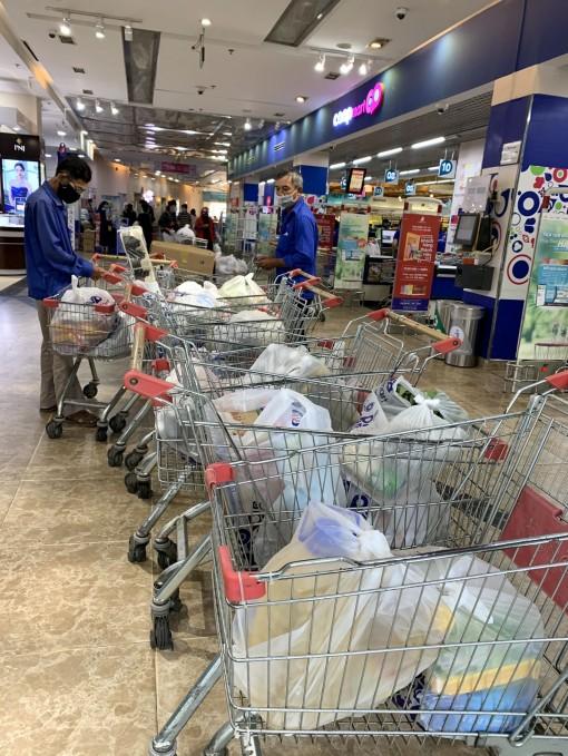 """Đi siêu thị """"từ xa""""..."""