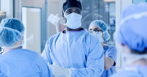 Mỹ thiếu trầm trọng vật tư y tế