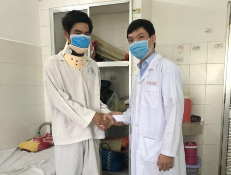 Thay đĩa đệm nhân tạo  cột sống cổ cho bệnh nhân