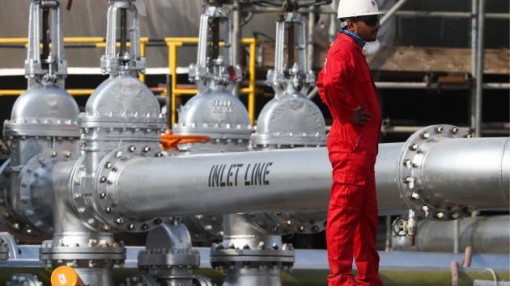 Thị trường dầu thô thế giới vẫn ảm đạm