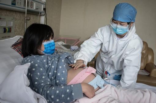 Giảm thiểu nguy cơ sức khỏe cho mẹ và bé giữa mùa dịch COVID-19