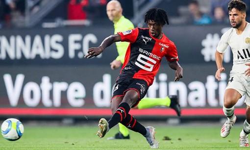 """Eduardo Camavinga-""""thần đồng"""" mới của bóng đá Pháp"""
