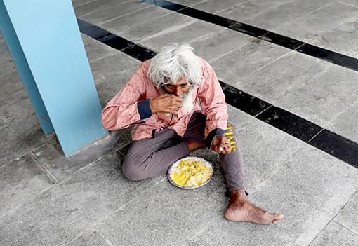Người nghèo Ấn Độ điêu đứng vì COVID-19