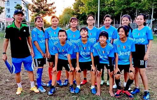 Đội bóng đá nữ THCS - Thế mạnh mới của thể thao Thới Lai