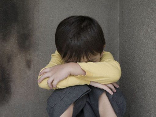 Chấn thương thời thơ ấu làm tăng nguy cơ mắc bệnh tim, tử vong sớm