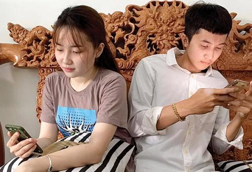 Vợ chồng thời công nghệ