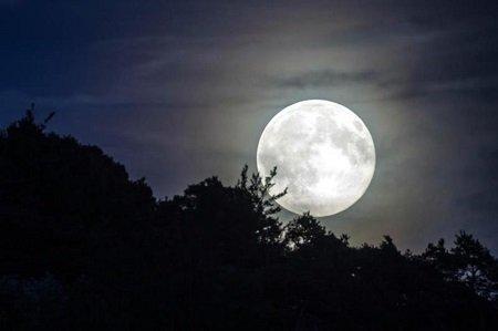 Liên tiếp xuất hiện mưa sao băng và siêu trăng trong tuần này