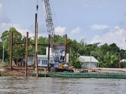 Đảm bảo tiến độ các công trình xây dựng kè sông Cần Thơ