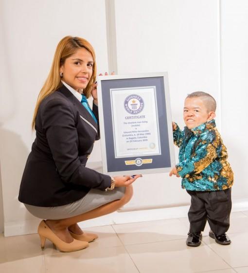 Người lùn nhất thế giới giành lại được danh hiệu