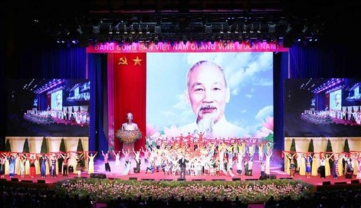 International parties, friends offer congratulations on President Ho Chi Minh's birthday