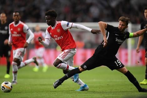 "COVID-19 ""kiến tạo"" cho sao trẻ Arsenal"