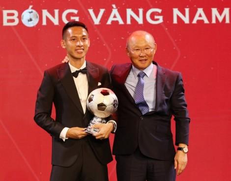 Tôn vinh cầu thủ bóng đá xuất sắc nhất Việt Nam
