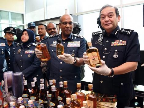 Hàng giả lộng hành tại Malaysia giữa mùa dịch