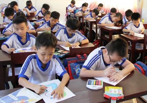 Xe Thư viện lưu động đa phương tiện phục vụ tại quận Bình Thủy