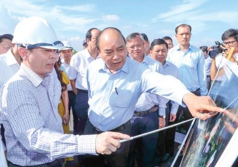 Thủ tướngNguyễn Xuân Phúclàm việc với các tỉnh, thành phố Vùng kinh tế trọng điểm phía Nam