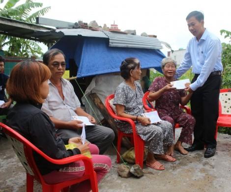 Hỗ trợ gia đình bị thiệt hại do thiên tai từ nguồn Quỹ Cứu trợ của TP Cần Thơ