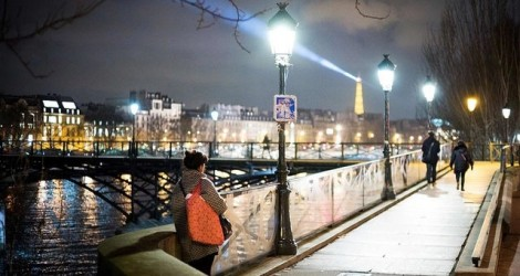 Ô nhiễm ánh sáng tăng nguy cơ ung thư vú