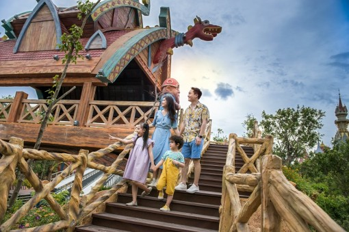 """""""Kỳ nghỉ Tết dài nhất lịch sử"""" đã là quá khứ, kỳ nghỉ hè đặc biệt nhất của con sẽ bắt đầu tại VinWonders Phú Quốc"""