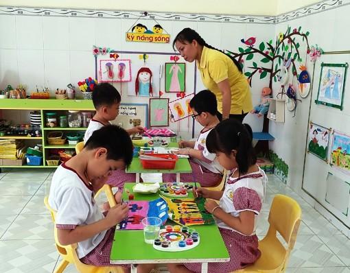 Chăm sóc, giáo dục trẻ  phát triển toàn diện