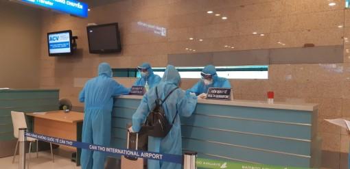 Sân bay Cần Thơ đón 310 công dân Việt Nam trở về từ Singapore