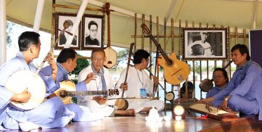 Địa phương đầu tiên ở Nam bộ thành lập  Chi hội Nghệ nhân Đờn ca tài tử