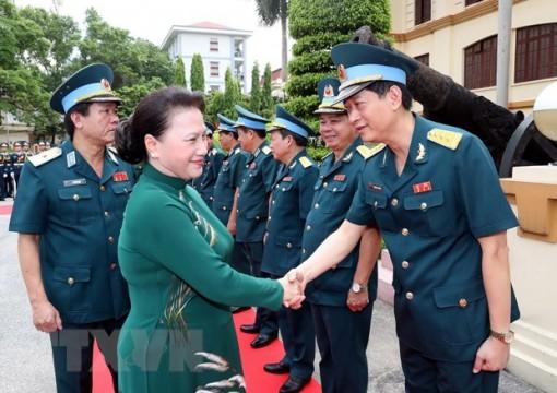 Chủ tịch Quốc hội thăm Quân chủng Phòng không-Không quân