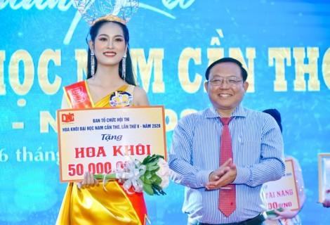 Nữ sinh Lê Thị Tường Vy đăng quang Hoa khôi Đại học Nam Cần Thơ