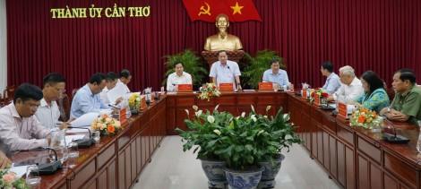 Chuẩn bị nội dung làm việc với Bộ Chính trị về Đại hội Đảng bộ thành phố