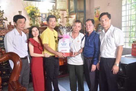 Hội Nhà báo Việt Nam thăm hỏi, tặng quà cho các gia đình Nhà báo liệt sĩ tại tỉnh Long An và TP Cần Thơ