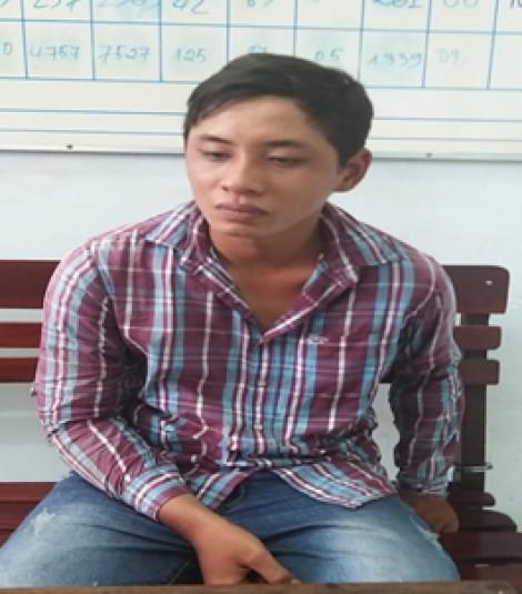 Bắt đối tượng cướp giật điện thoại của học sinh