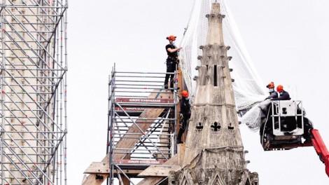 Pháp phục dựng Nhà thờ Đức Bà Paris như nguyên bản