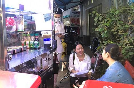 Ra quân khảo sát an toàn thực phẩm ở cơ sở thức ăn đường phố