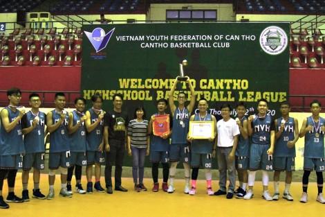 Nguyễn Việt Hồng vô địch Giải Bóng rổ thanh niên khối các trường THPT TP Cần Thơ