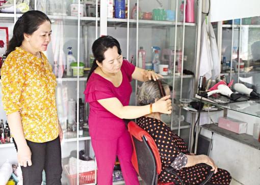 Hỗ trợ phát triển kinh tế gia đình, nâng cao mức sống