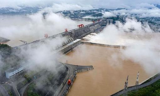 Trung Quốc cảnh báo mưa lớn, nguy cơ lũ lụt nghiêm trọng kéo dài