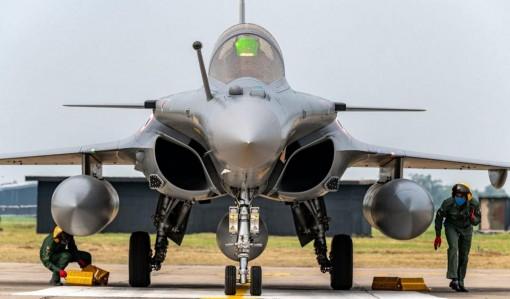 Ấn Độ nhận lô chiến đấu cơ Rafale đầu tiên