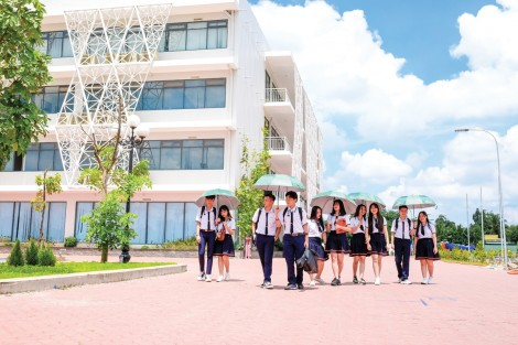 Tuyển 300 học sinh lớp 10 năm học 2020-2021