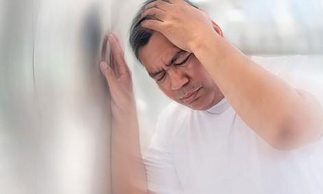 Ðề phòng nguy cơ mất trí nhớ nếu thường bị choáng khi đứng dậy