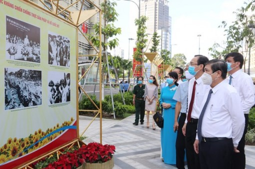 Photo exhibitions held in HCM City to mark 75th National Day