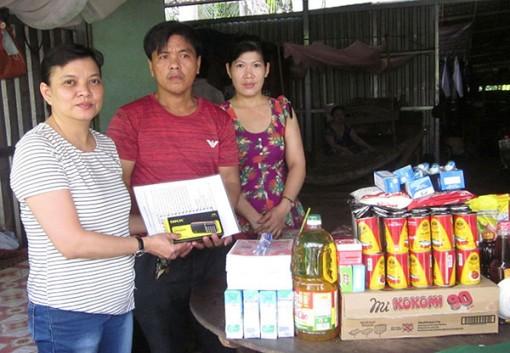 Hỗ trợ các hoàn cảnh bệnh tật, khó khăn