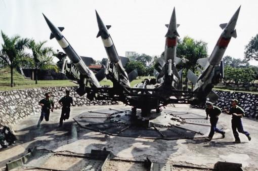 Đẩy mạnh phát triển công nghiệp quốc phòng theo hướng lưỡng dụng, tạo cơ sở vật chất - kỹ thuật hiện đại cho Quân đội nhân dân Việt Nam