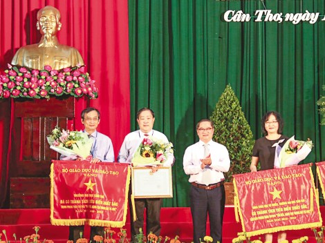 Trường Đại học Cần Thơ khai giảng năm học mới