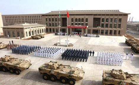 Đua nhau mở căn cứ quân sự ở châu Phi