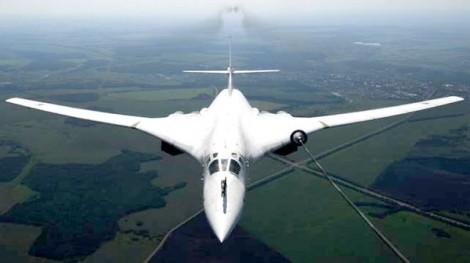 Tu-160 lập kỷ lục chuyến bay thẳng dài nhất thế giới
