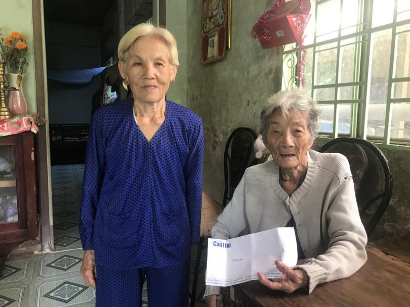Bạn đọc tiếp tục hỗ trợ bà cụ 70 tuổi nuôi mẹ già 92 tuổi