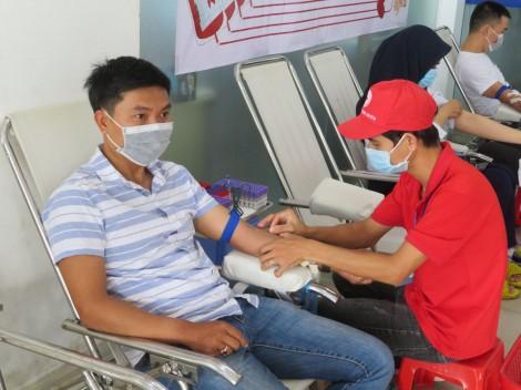 Công ty TNHH Công nghệ NHONHO tổ chức hiến máu nhân đạo