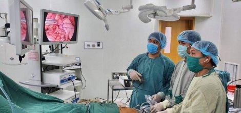 Phẫu thuật đưa dạ dày nằm sai vị trí trở về ổ bụng