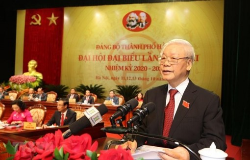 Top leader demands stronger changes for Hanoi's sustainable development