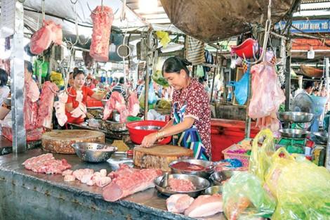 Giá heo hơi và thịt heo giảm